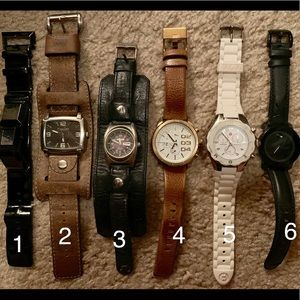 Various watches, working but need batteries.